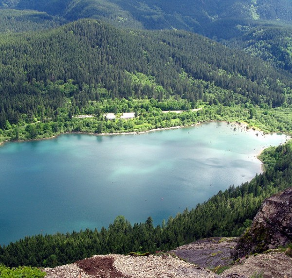rattlesnake lake near seattle