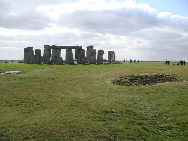 hiking from salisbury to amesbury via stonehenge best day hikes near london