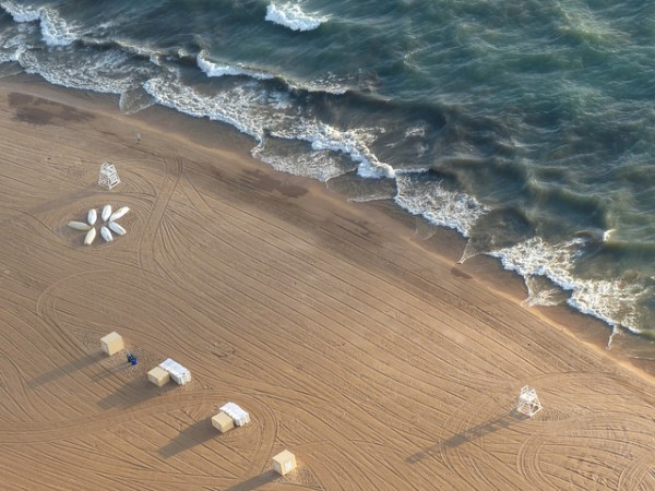 5 best beaches in chicago oak street beach