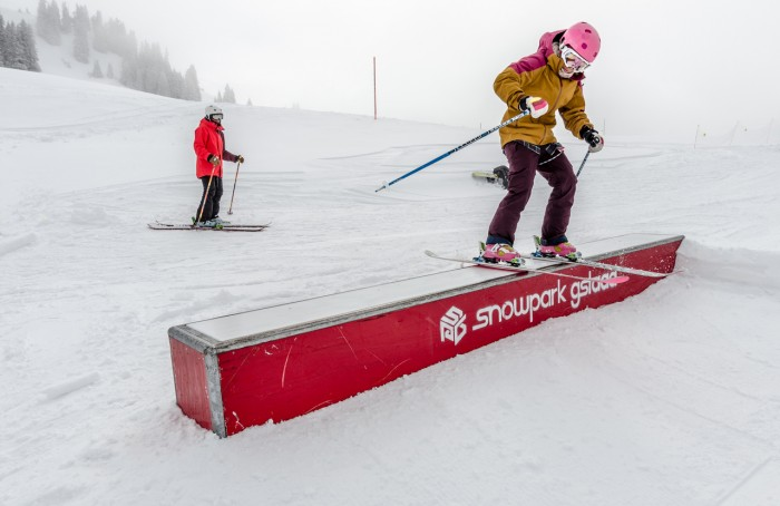 Girls Shred Session: Gstaad Snowpark | Nerve Rush